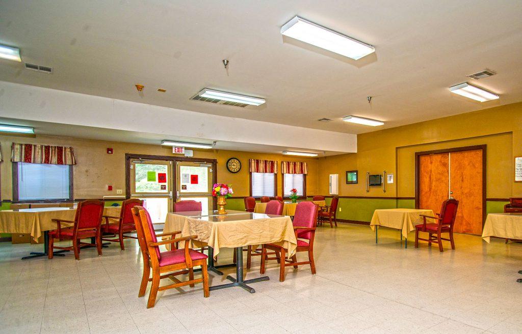Dining-Room-Long-Term-Care_Williston-Healthcare-Rehabilitation_South-Carolina